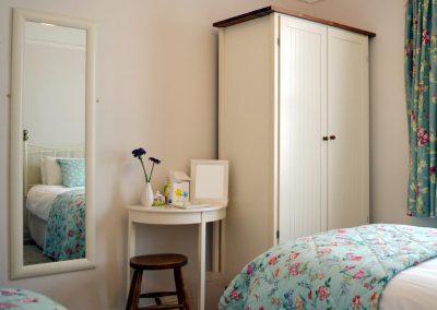 Photo: twin bedroom